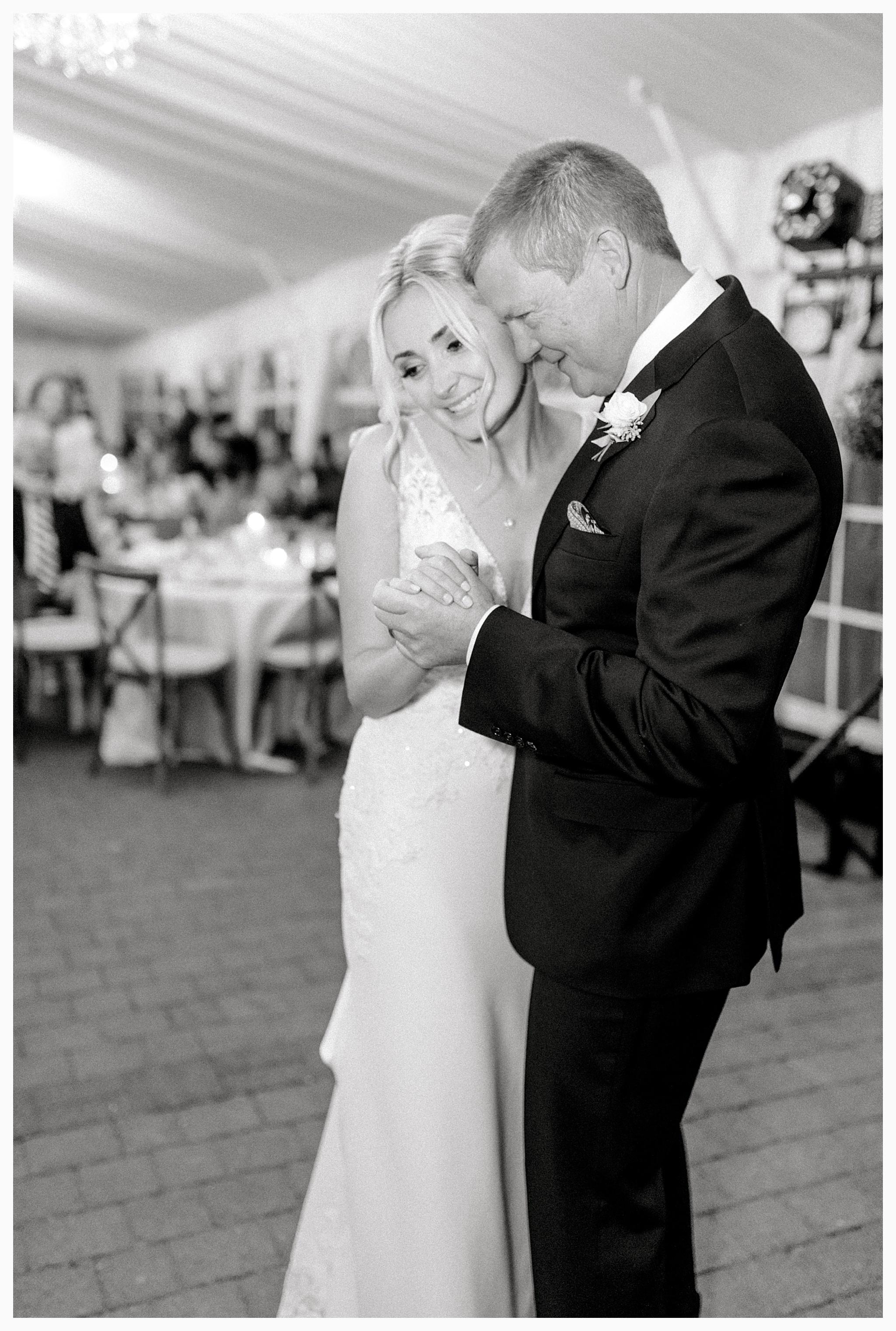 Emma Rose Company Light and Airy Wedding Photographer, Beautiful fall wedding at Rock Creek Gardens Venue in Puyallup, Washington._0112.jpg