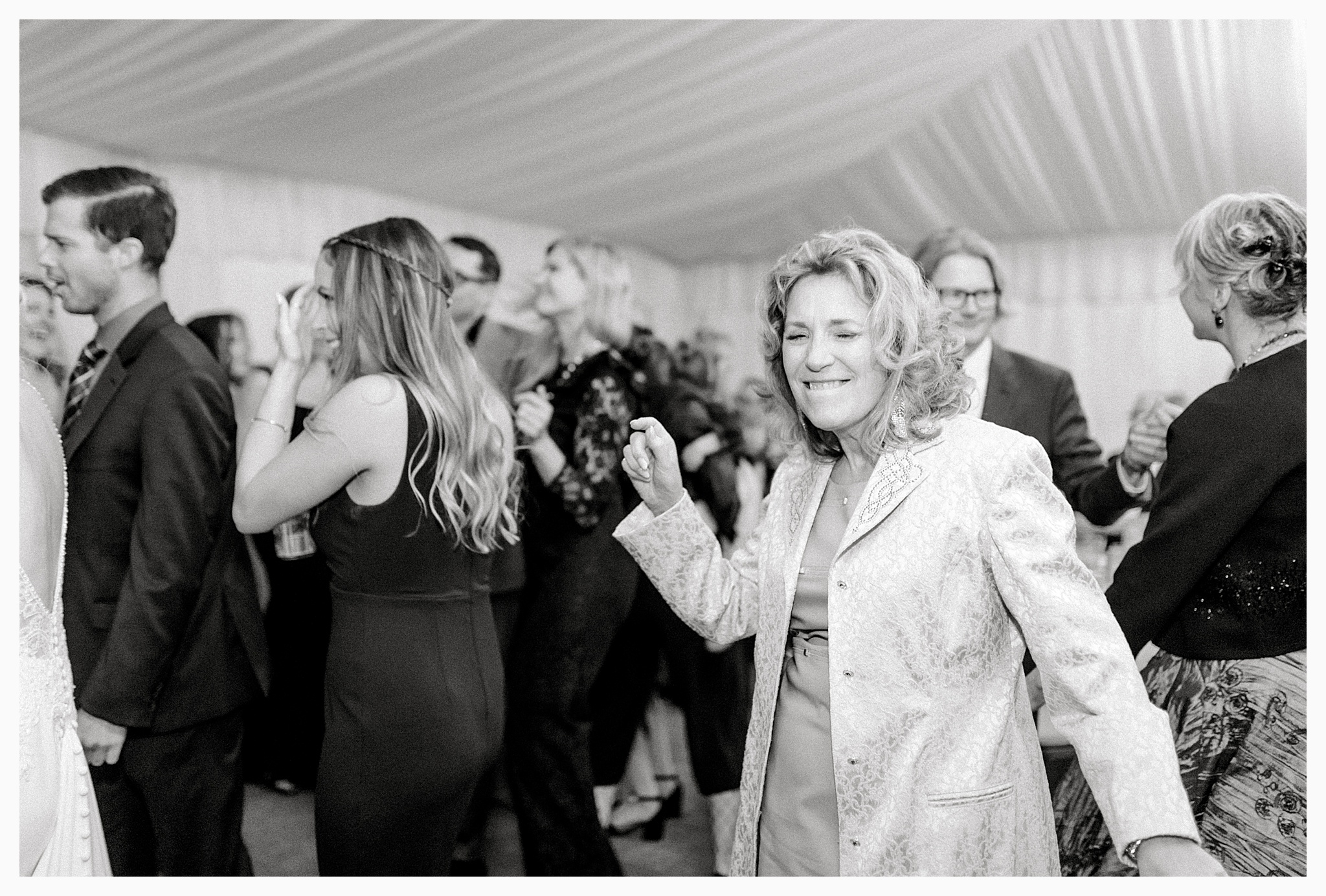 Emma Rose Company Light and Airy Wedding Photographer, Beautiful fall wedding at Rock Creek Gardens Venue in Puyallup, Washington._0113.jpg
