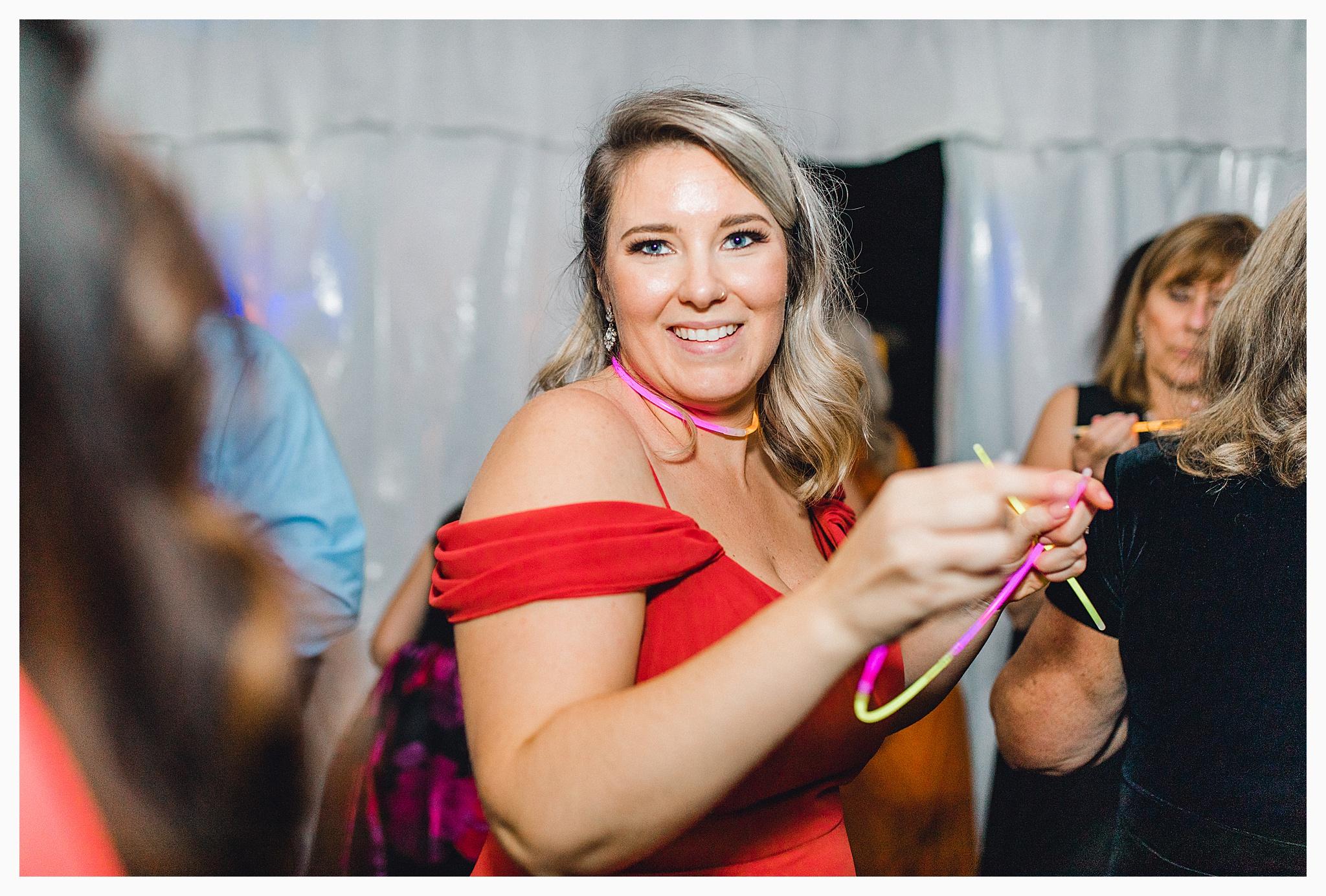 Emma Rose Company Light and Airy Wedding Photographer, Beautiful fall wedding at Rock Creek Gardens Venue in Puyallup, Washington._0127.jpg