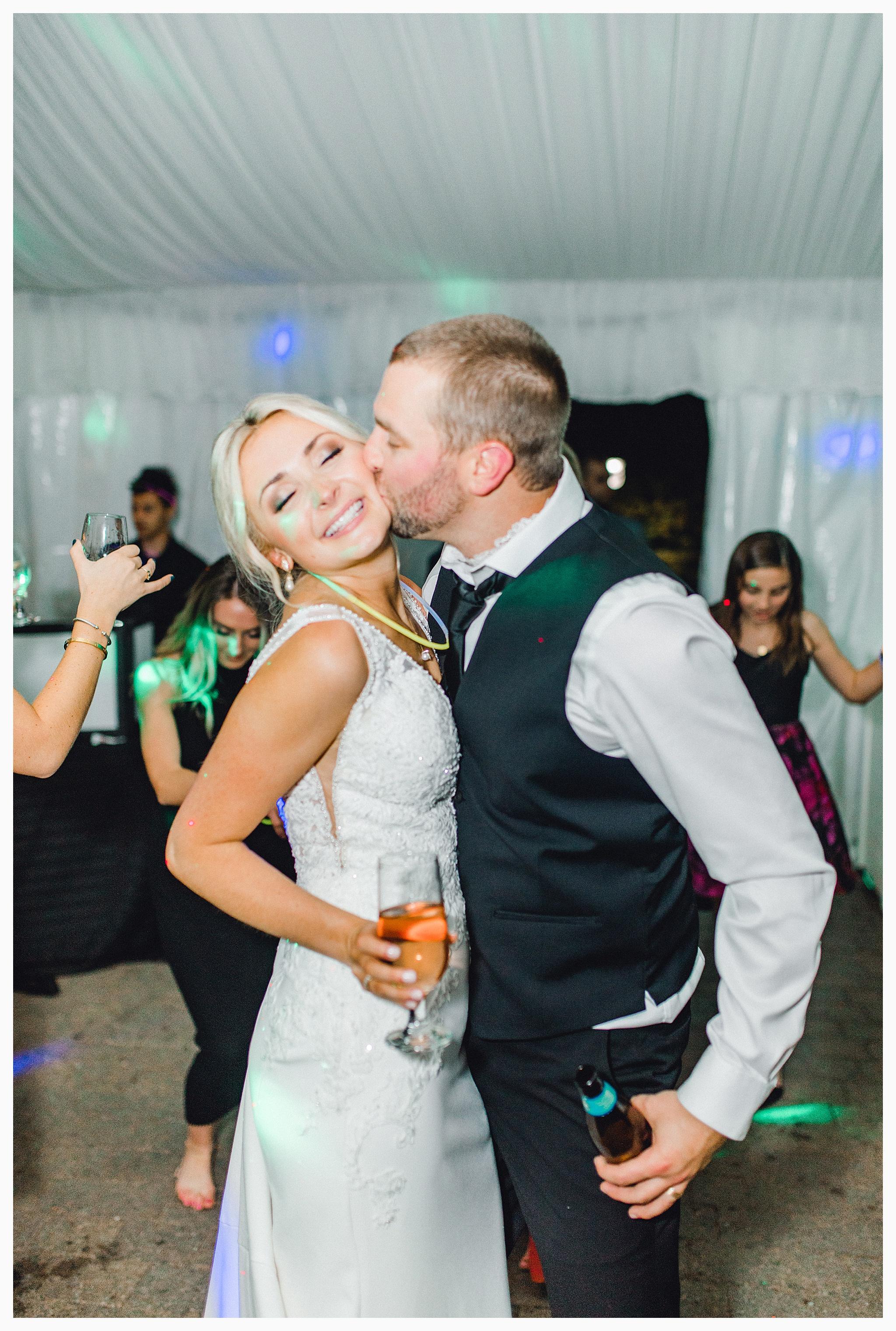 Emma Rose Company Light and Airy Wedding Photographer, Beautiful fall wedding at Rock Creek Gardens Venue in Puyallup, Washington._0132.jpg