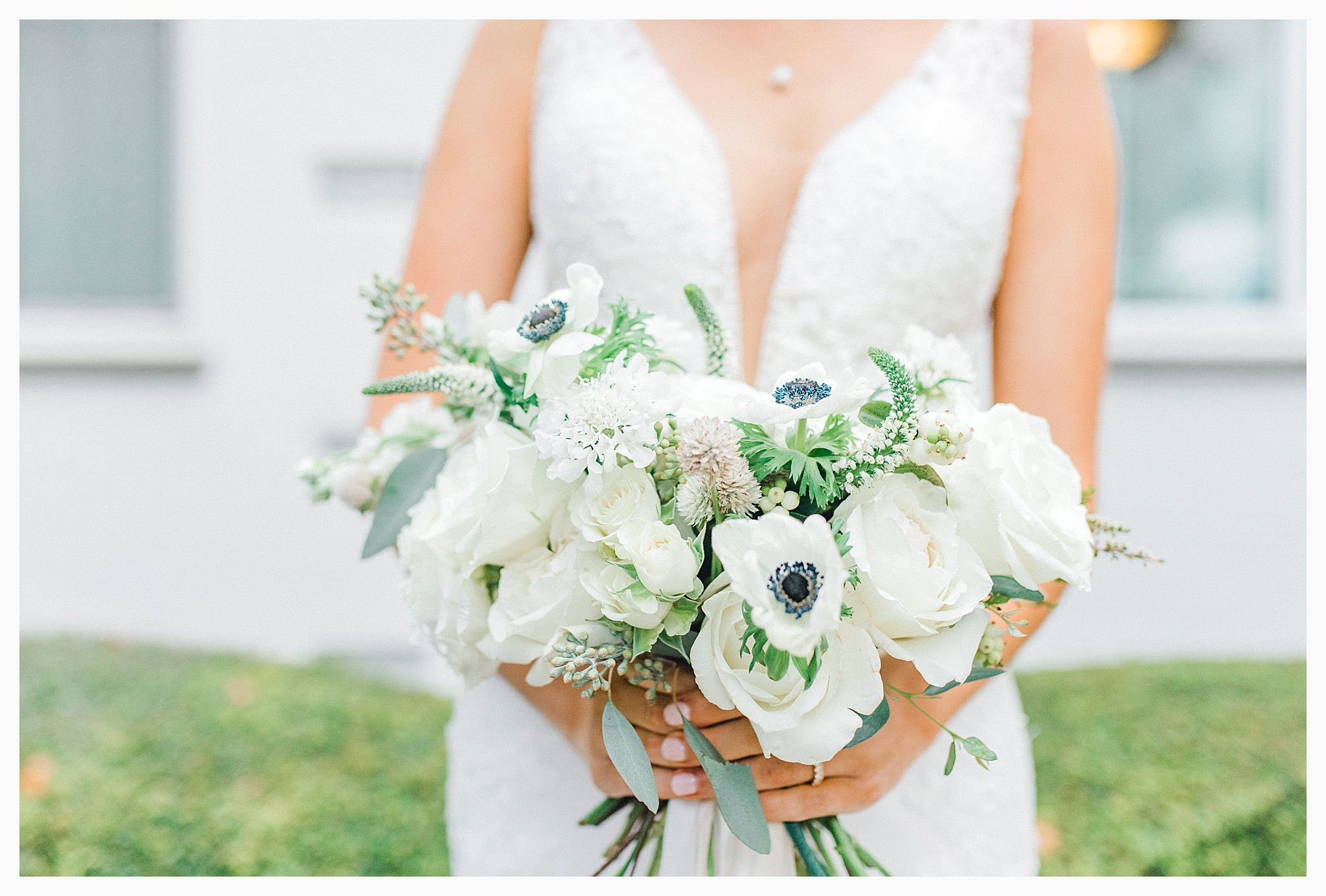 Emma Rose Company Light and Airy Wedding Photographer, Beautiful fall wedding at Rock Creek Gardens Venue in Puyallup, Washington._0135.jpg