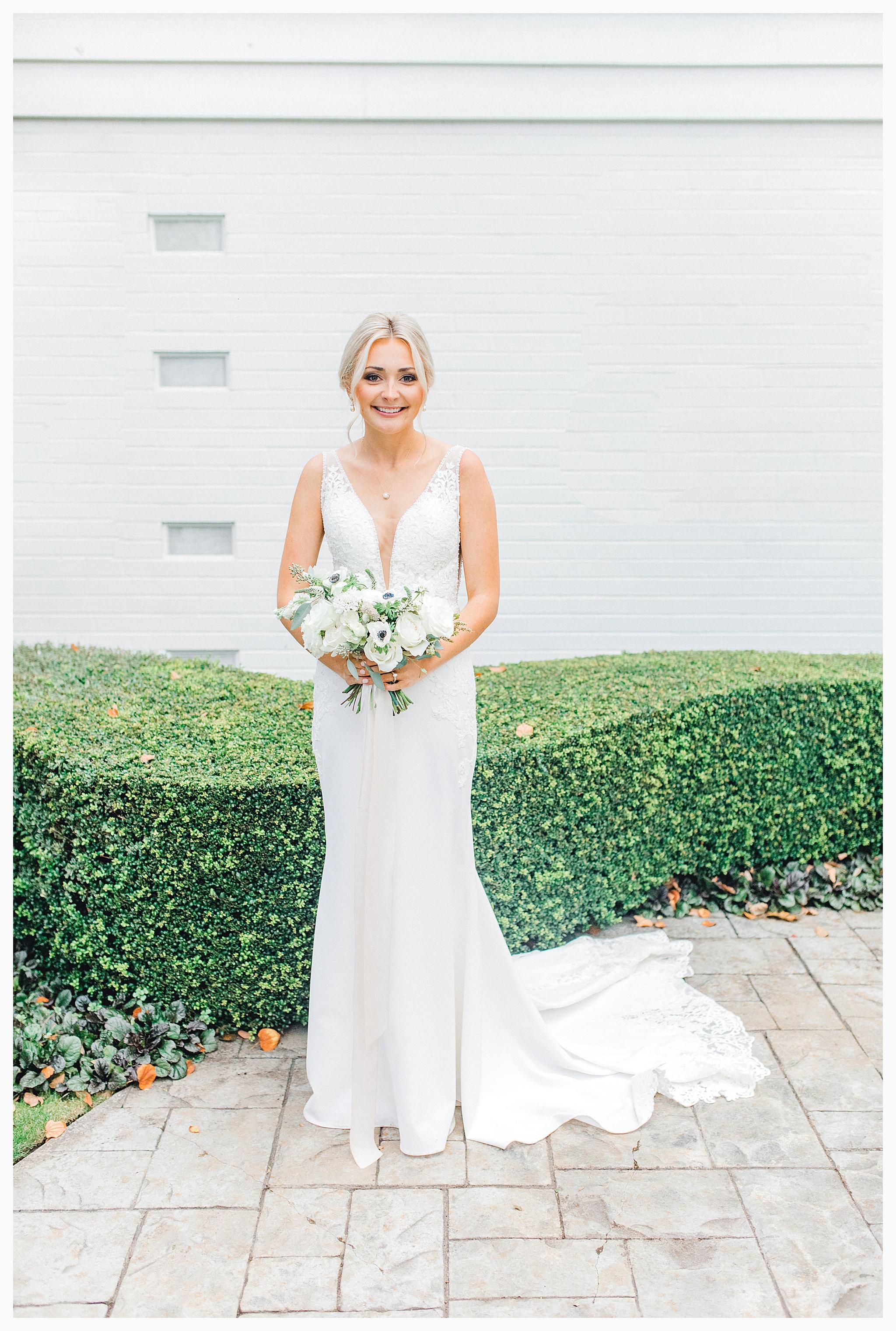 Emma Rose Company Light and Airy Wedding Photographer, Beautiful fall wedding at Rock Creek Gardens Venue in Puyallup, Washington._0134.jpg