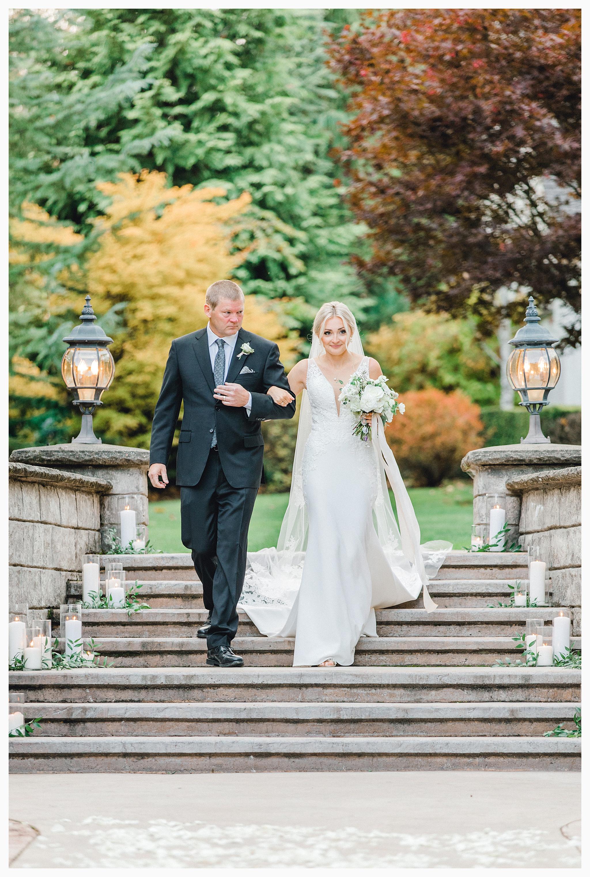 Emma Rose Company Light and Airy Wedding Photographer, Beautiful fall wedding at Rock Creek Gardens Venue in Puyallup, Washington._0074.jpg