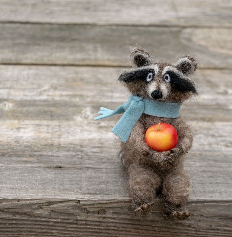 RaccoonApple-BenchSide-Narrow.png