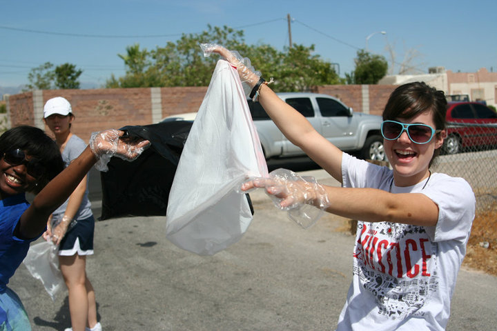 "Beth sports her Trek ""Do Justice"" tee during a neighborhood cleanup in Las Vegas"