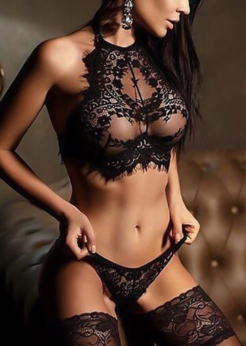 black-floral-solid-lace-lingerie-set.jpg