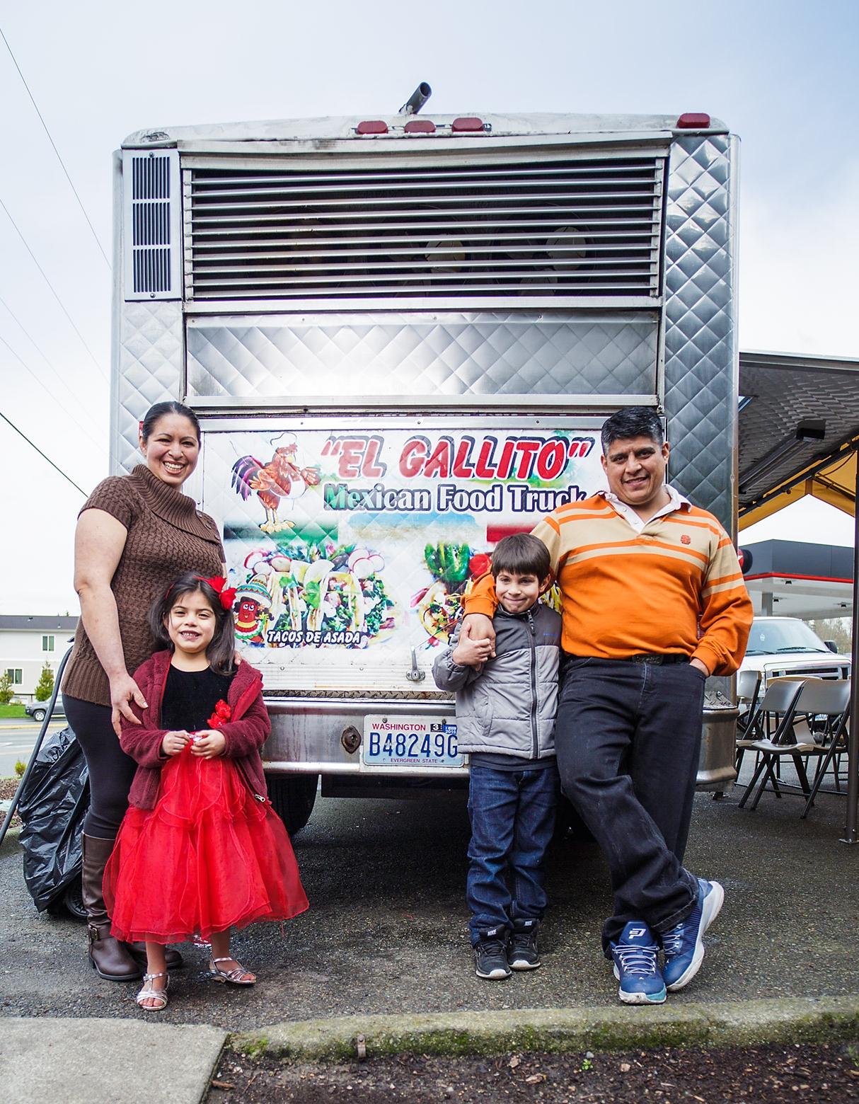 If you haven't visited Elizabeth Romero's food truck yet, you really must. CIE worked with    Mercy Corps Northwest    to support    El Gallito Mexican Food Truck    with her business plan and financial projections, which resulted in a loan to fund her launch.    Elizabeth is a first generation immigrant who has had a dream of owning her own business for years. For the past three years, she has been using her own saved money to slowly accumulate the equipment and supplies she would need to open her own food truck. She came to MercyCorps Northwest to borrow the last bit of capital necessary to pay for permits, licenses and starting inventory. The business is doing well and is busy! If you're in a rush, be sure to call or text your order ahead.    Elizabeth hopes to be able to hire additional employees soon, and has plans to add new products. Eventually, the family plans to pass the business along to their two (currently school-aged) children, and then open an additional food truck—or even a restaurant!     Check it out on Facebook    Or in person at:    10545 SE Carr Rd       Renton, Washington    (425) 647-0660 • Open Monday – Saturday