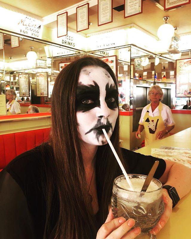 The trve sodafloat. 🖤🖤🖤 . . . . . #corpsepaint #icecream #blackmetal #metalheadgirl #sundae