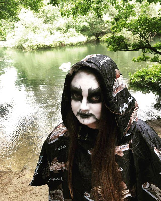 Rainy day at the lake. 🖤🖤🖤 . . . . . #corpsepaint #darknature #blackmetal #metalheadgirl #lake