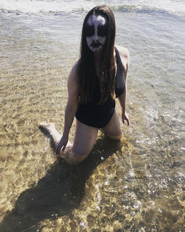 North Sea Siren. 🖤🖤🖤 . . . . . #corpsepaint #summervibes #blackmetal #ocean  #metalheadgirl
