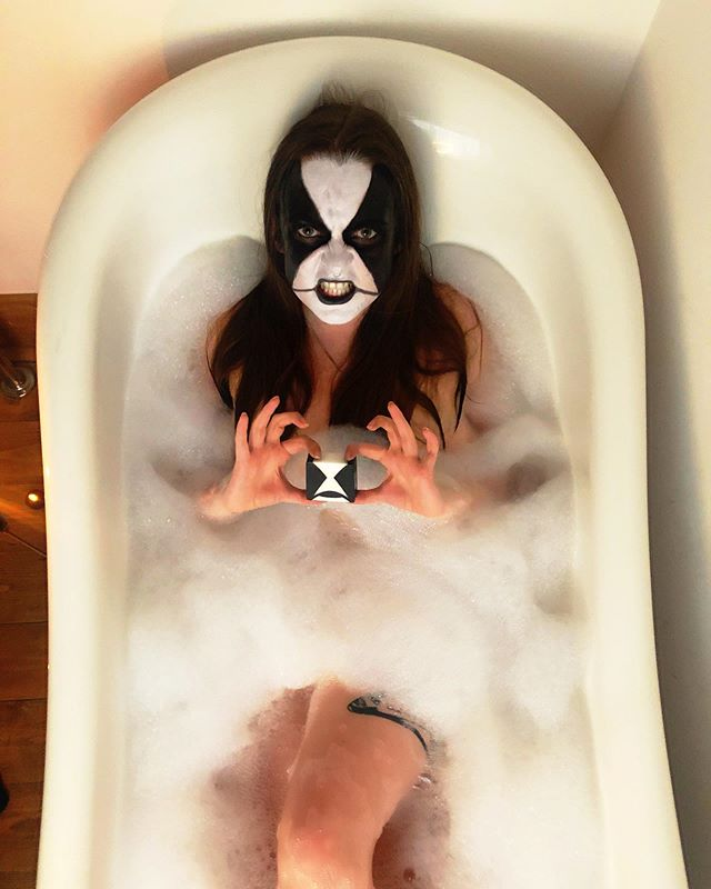 Just having A bath. 🖤🖤🖤 The Abbath soap from @corpsepaintsoaps is the best way to have a trve kvlt bathtime experience. It smells like the forest! . The soaps are handmade in Korea by a Finnish designer Milla and are all natural and vegan 🐼 . . . . . . #corpsepaint #abbath #blackmetal #metalheadgirl #bathtime