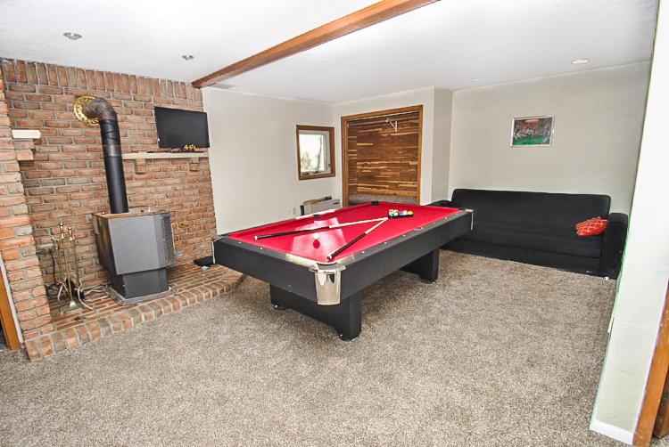 Pool+Table.jpg
