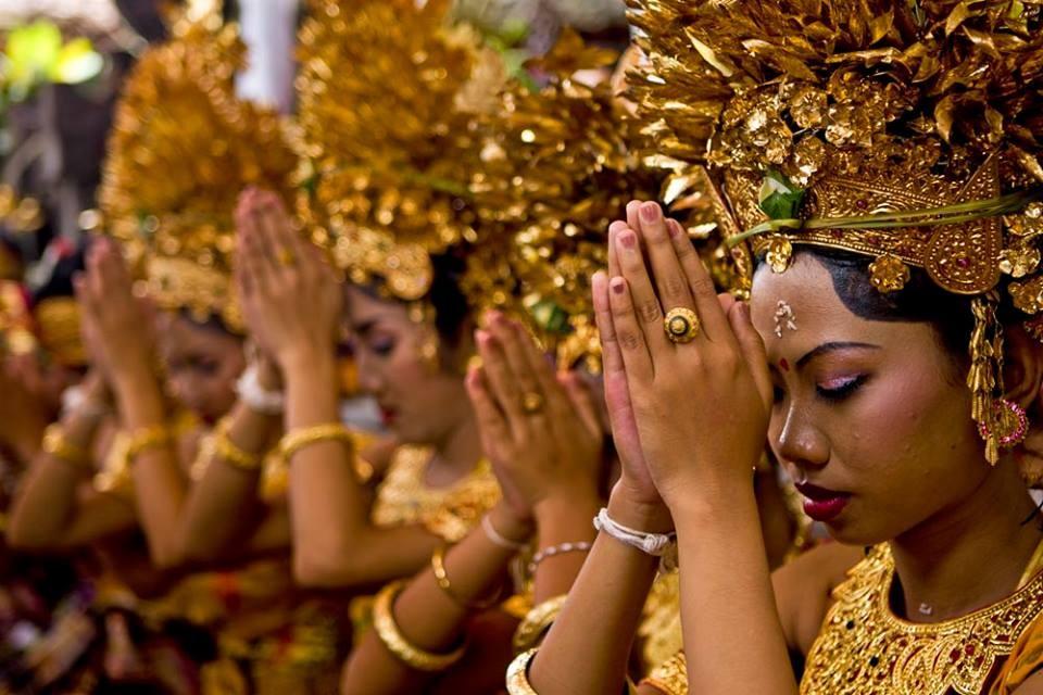 understanding-religion-hinduism-facts.jpg