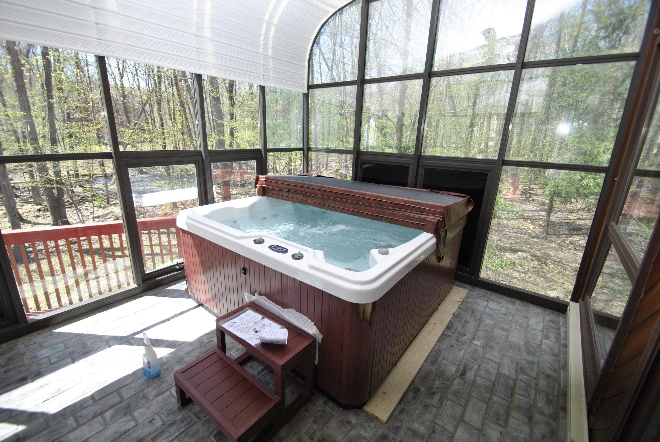 Main - Hot Tub.JPG