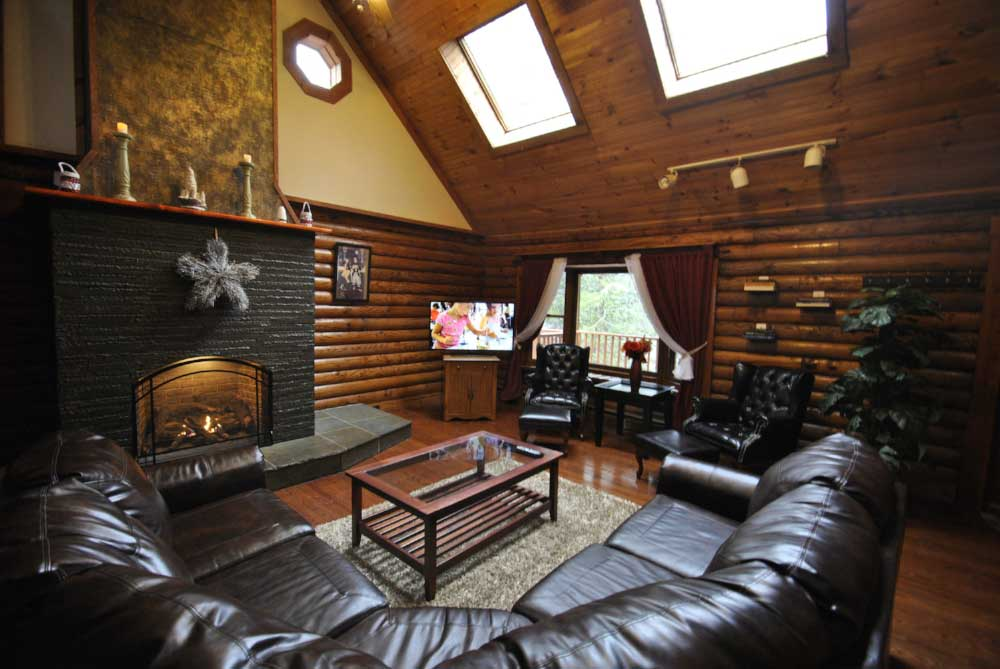 Lodge+Living+Room+(5).JPG