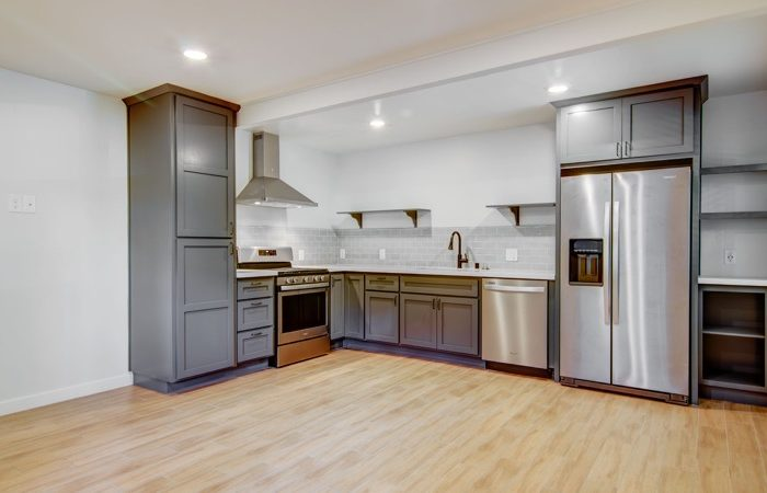 4-kitchen-700x450.jpg