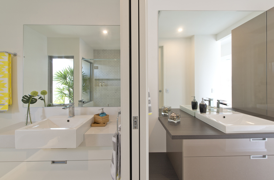 S28 bathroom4.jpg