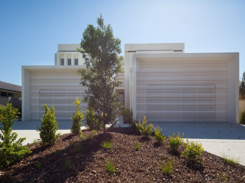 Front Entry with Garage.jpg
