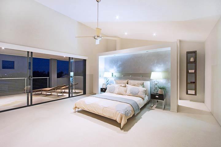 12-Master-Bed.jpg