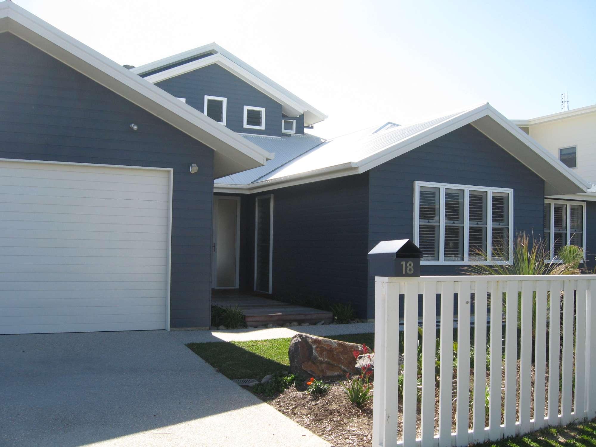 Moore Residence 062-2000.jpg