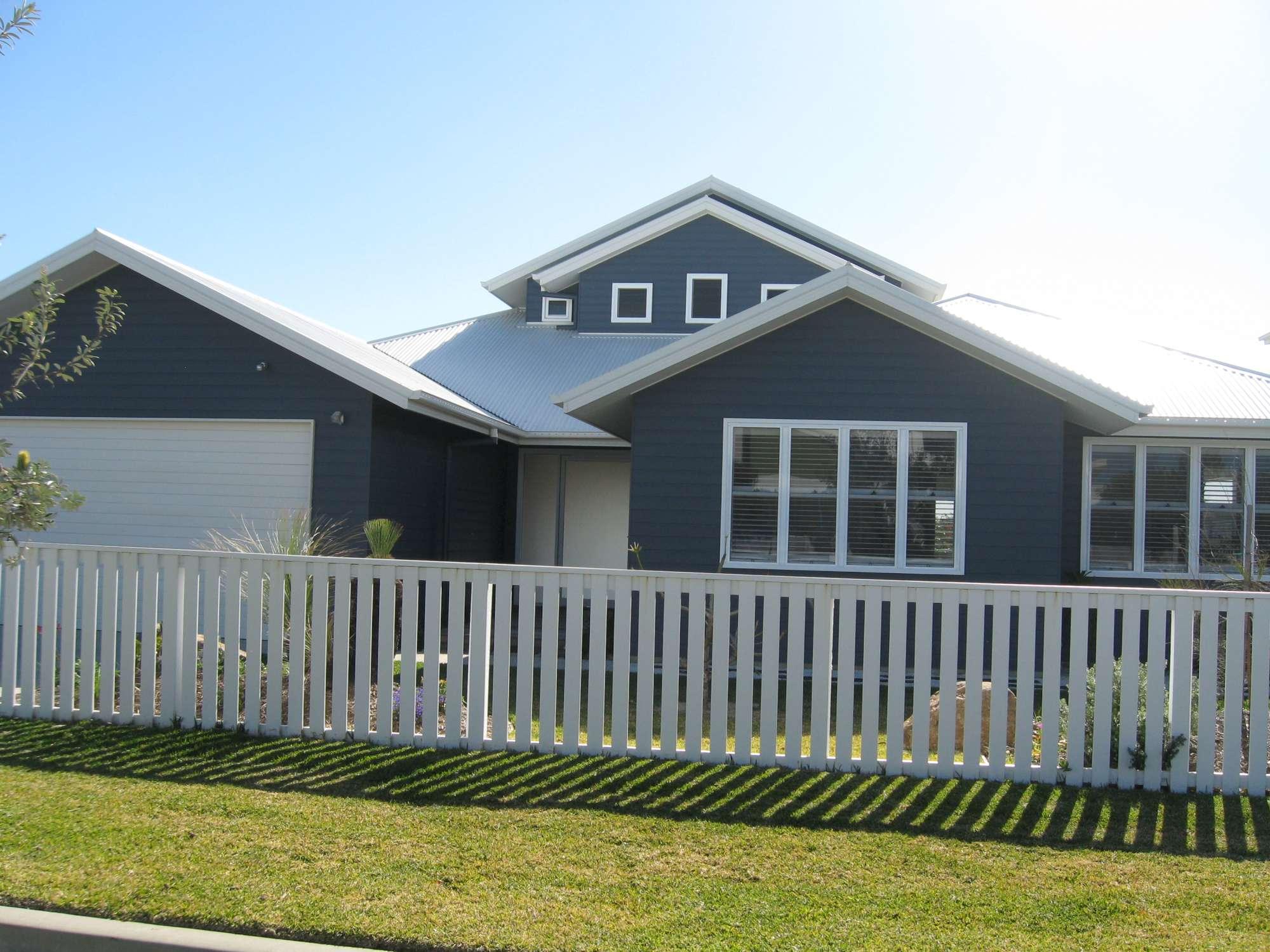 Moore Residence 063-2000.jpg