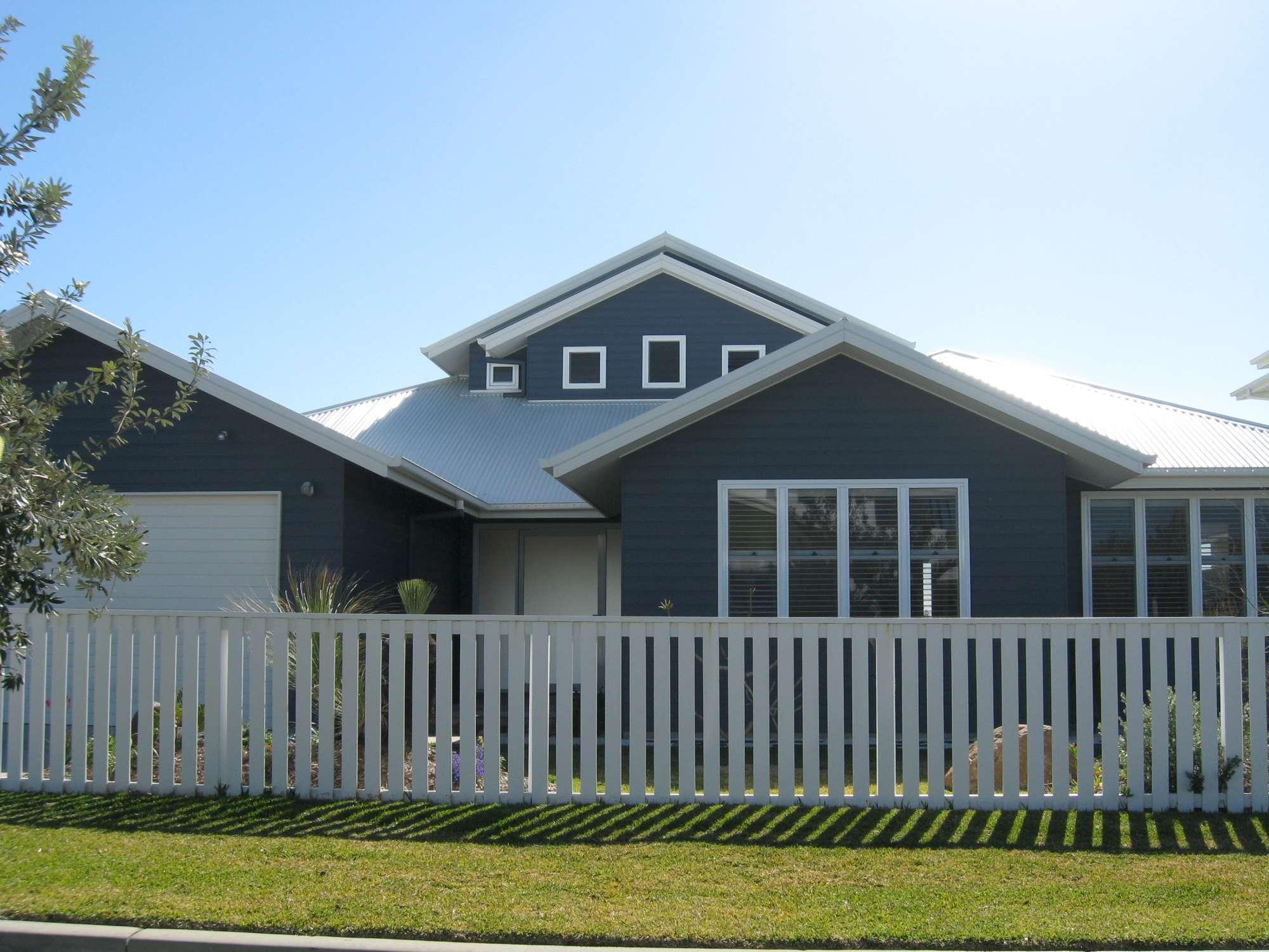 Moore Residence 072-2000.jpg
