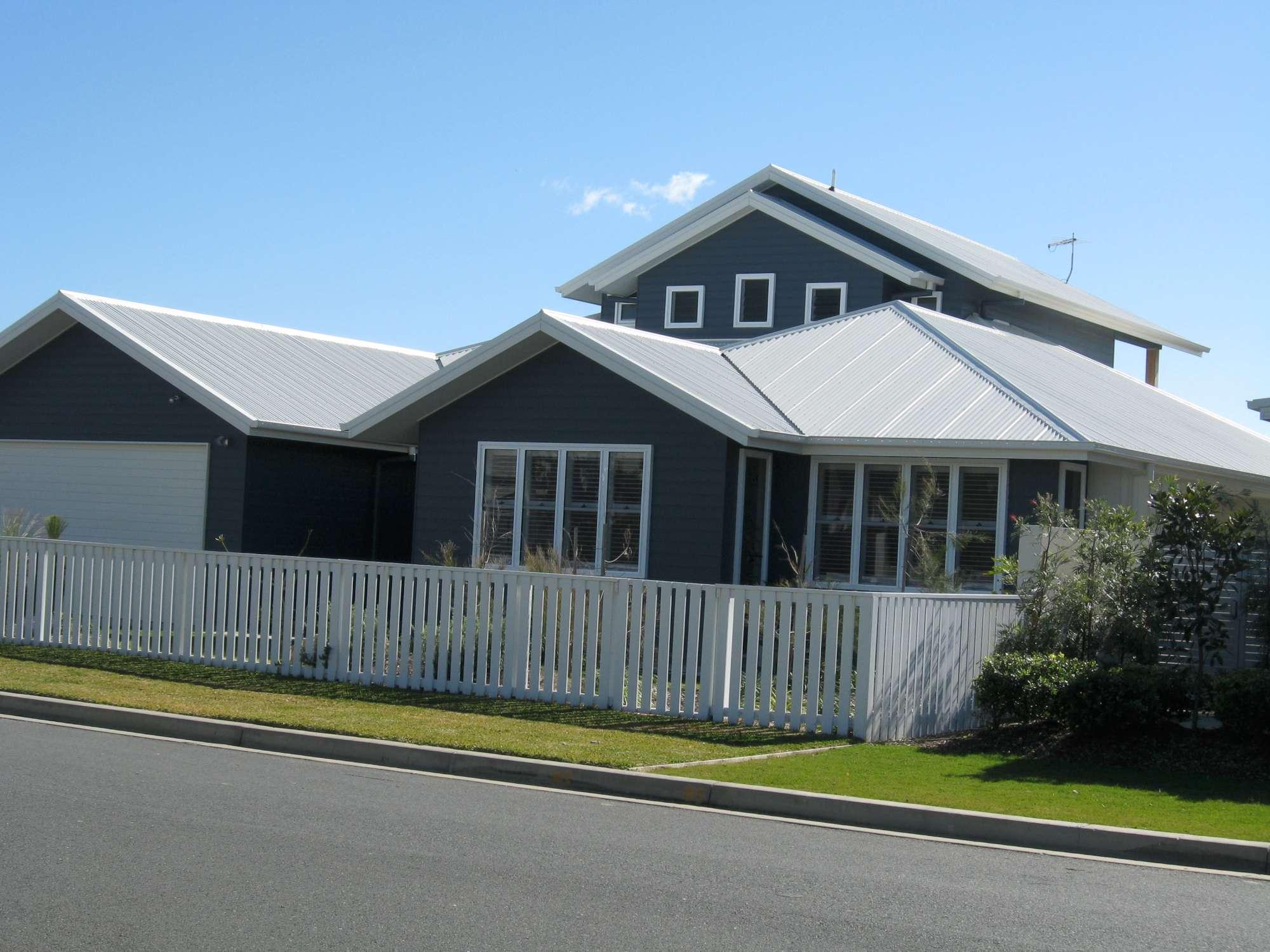 Moore Residence 077-2000.jpg