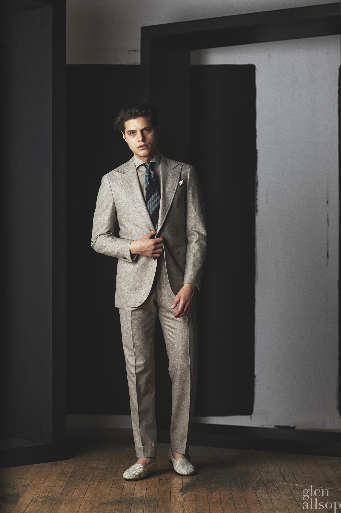 lookbook 5-eidos-nyfwm-menswear-suit-antonino russo-model