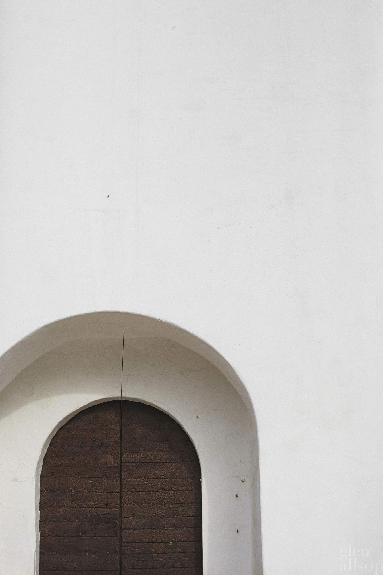 formentera-spain-eidos-church door-minimal