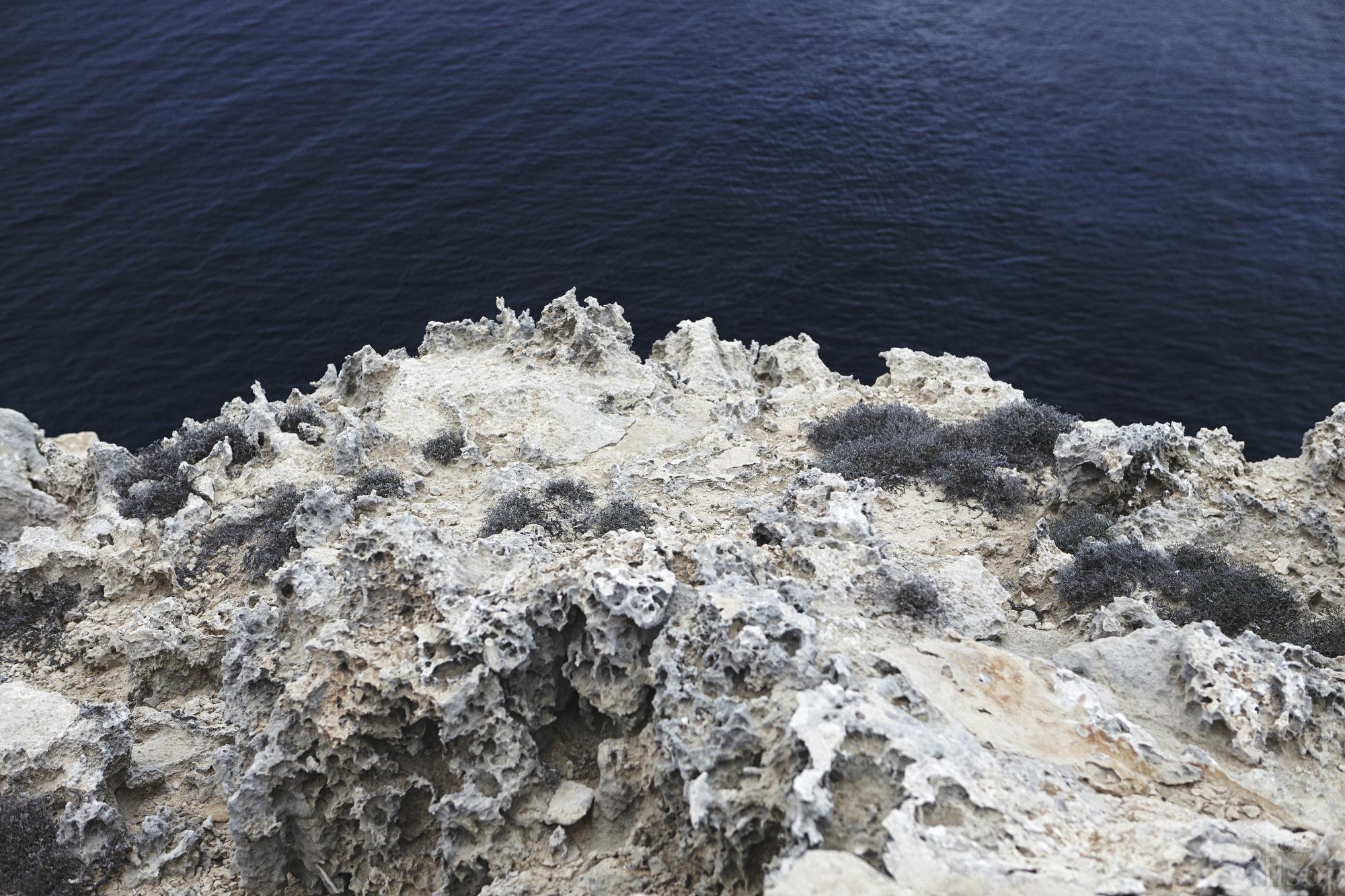 cliff-formentera-spain-rocky-glen allsop