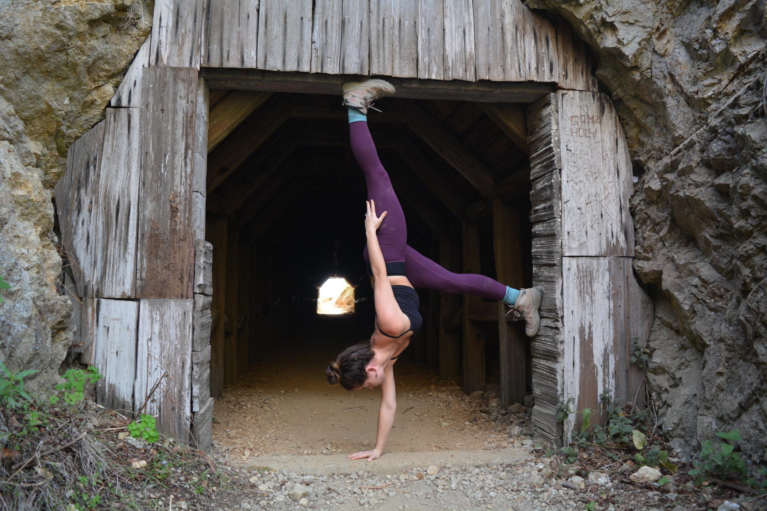 tunnel handstand 2.JPG