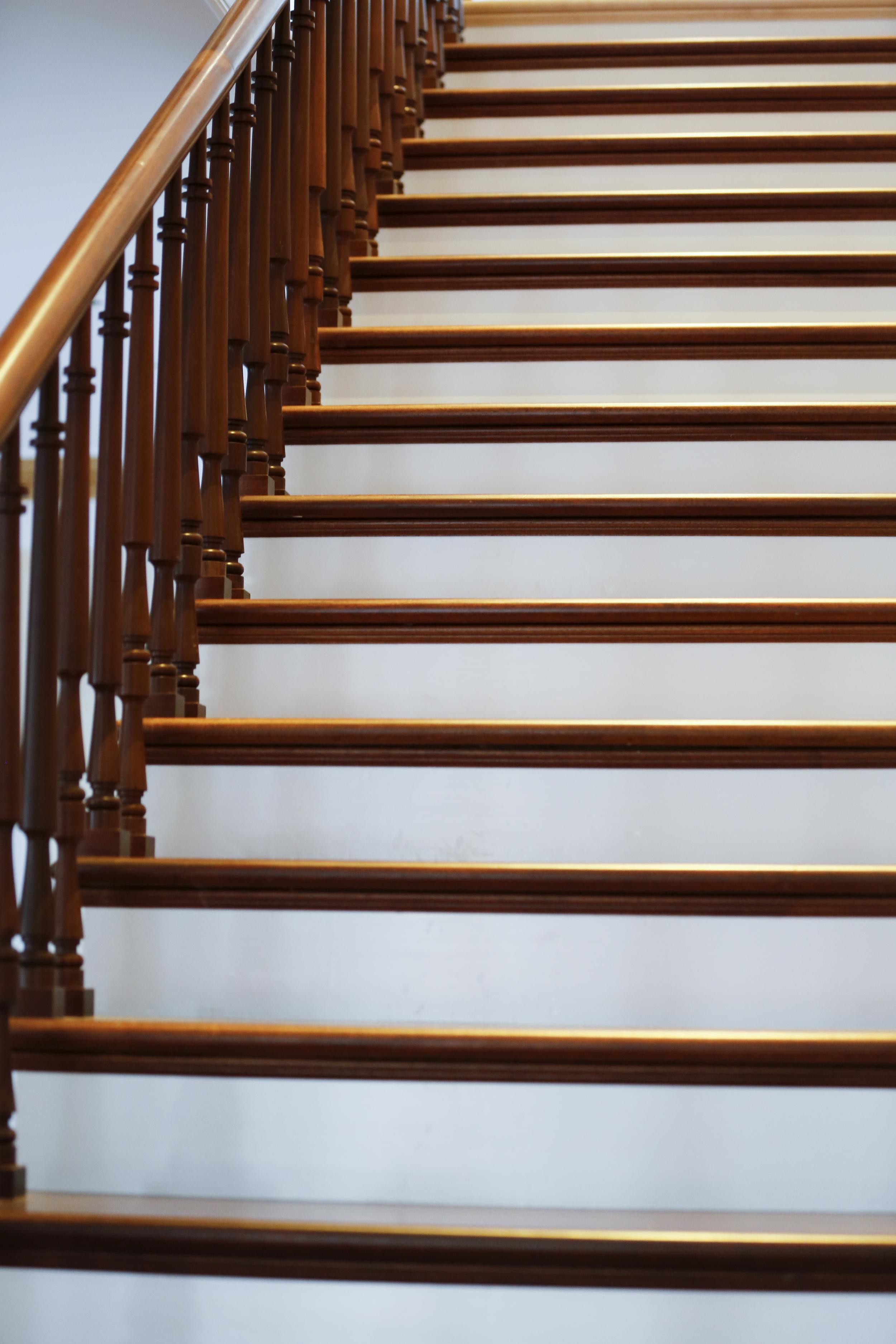 -99 Argos Stair .jpg