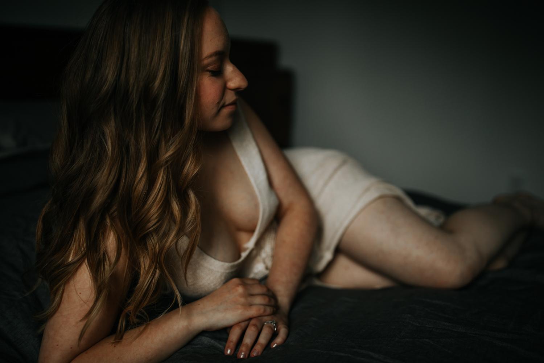amy boudoir post-13.jpg
