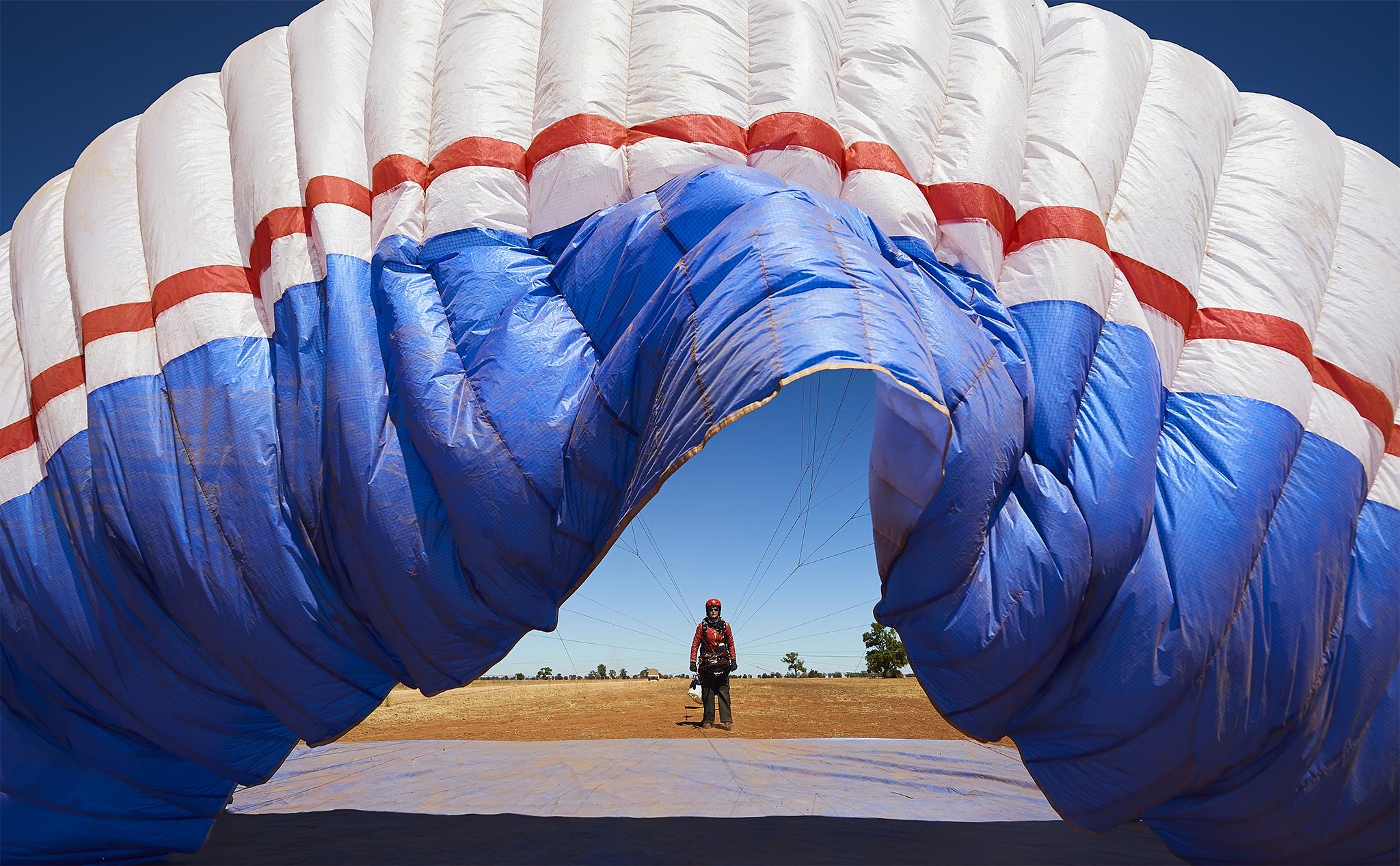 Women in Paragliding. -
