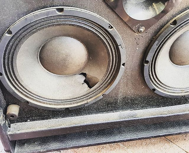 Pretty sure that hole is not meant to be there.. #speakers #speakerrepair #chairlegnotcompatiblewithspeaker