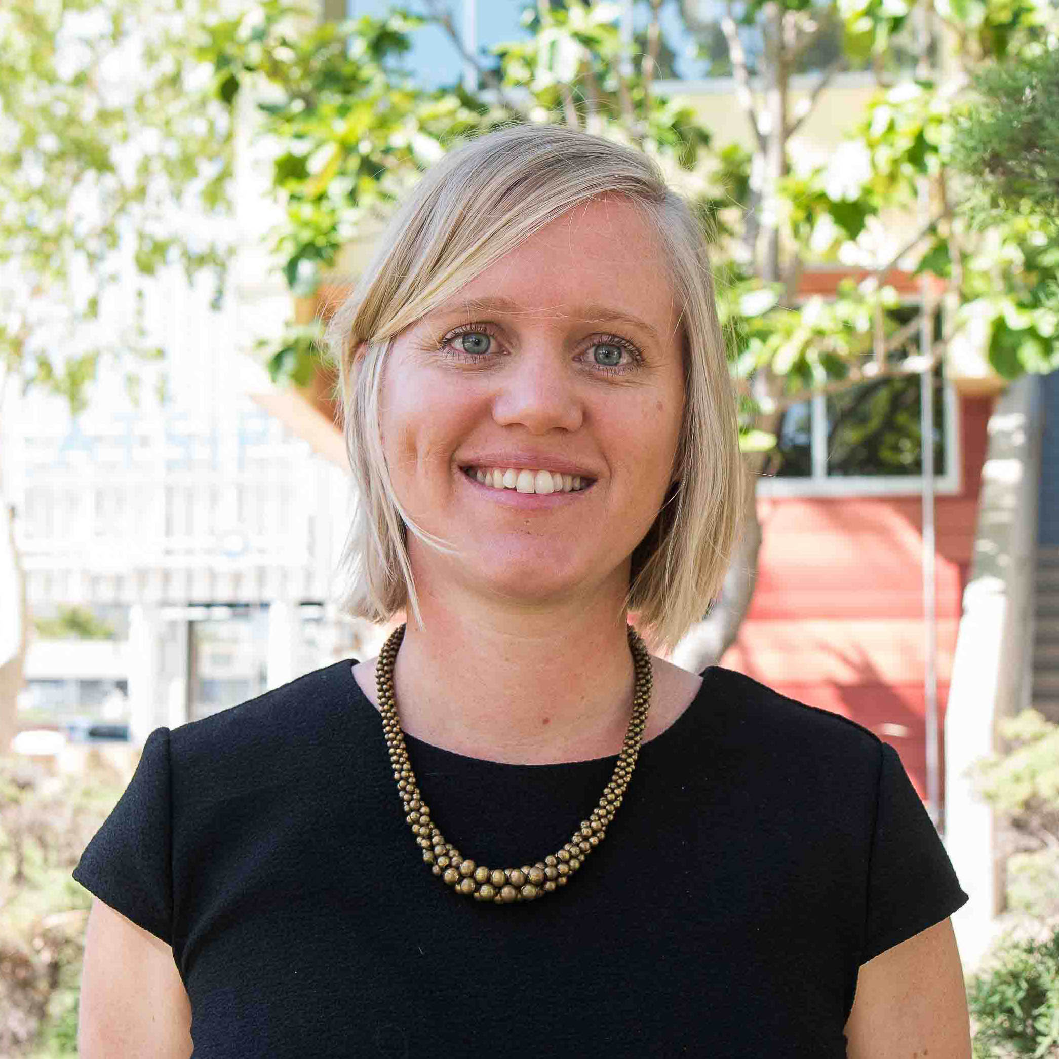Lisa Bostrom-Einarsson Profile_square.jpg