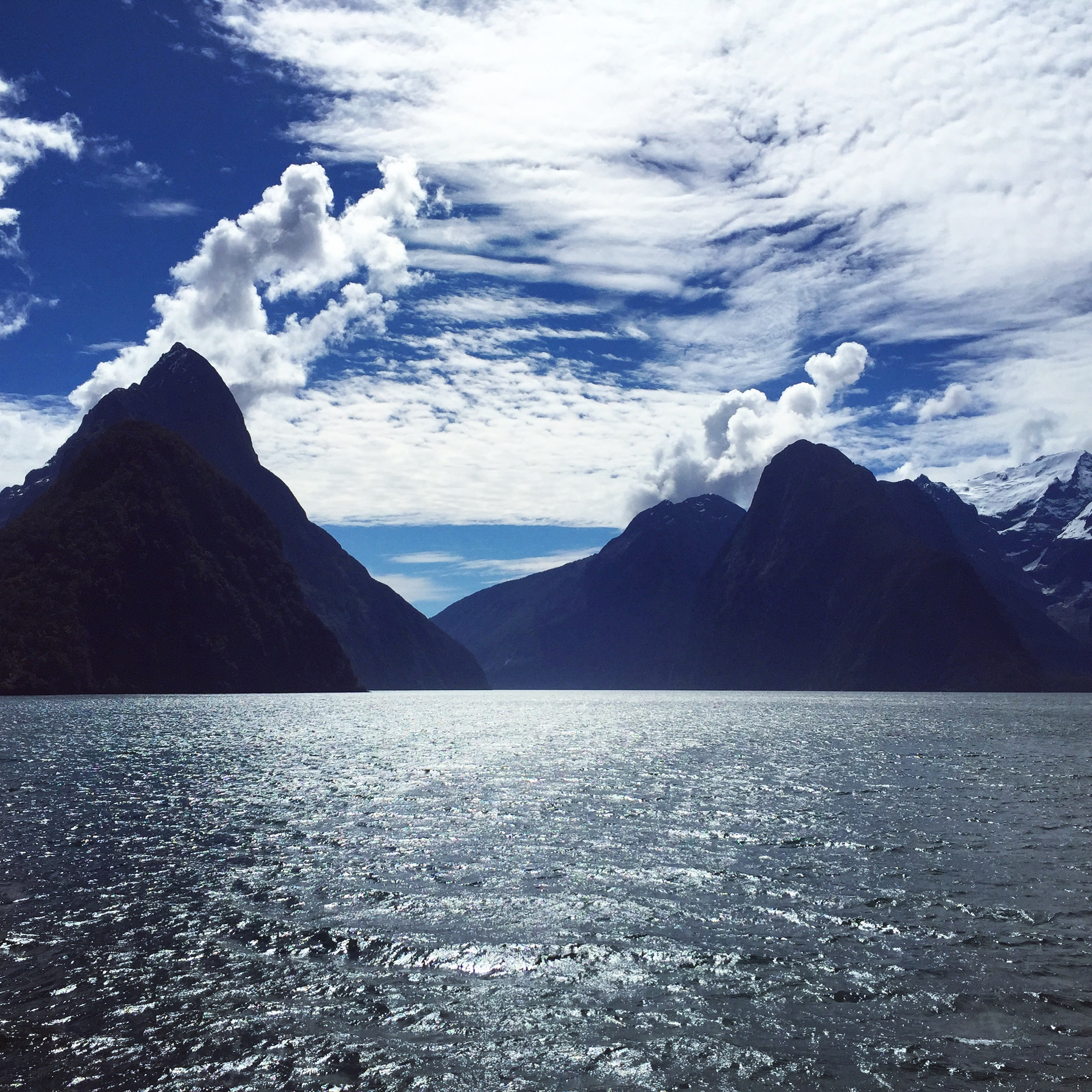 Sunny day at Milford Sound