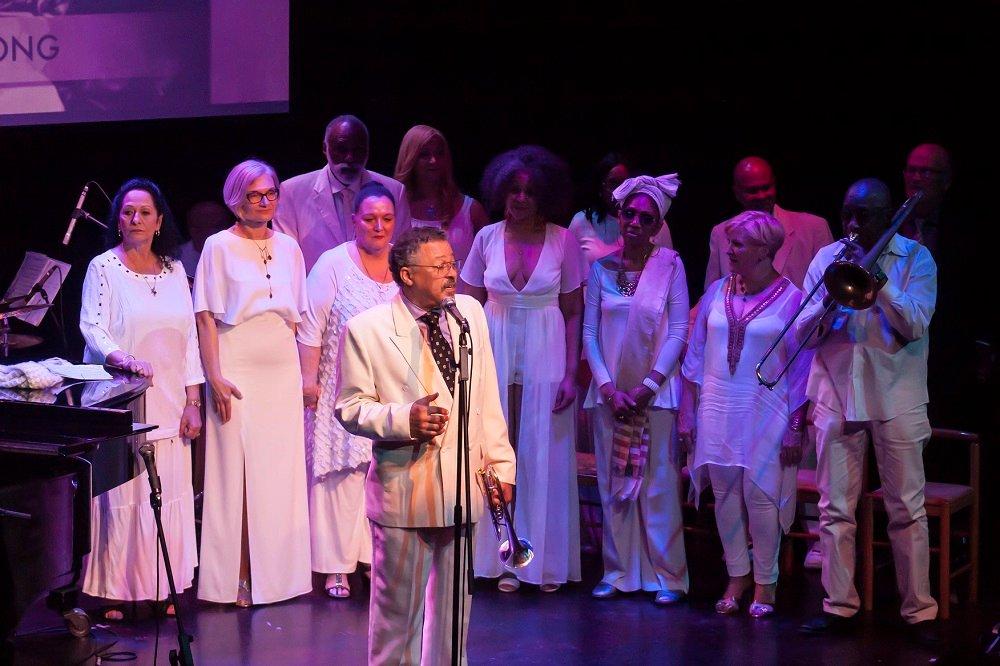 El-Broadway-Jazz-USA-y-Beatriz-Márquez.-2.jpg