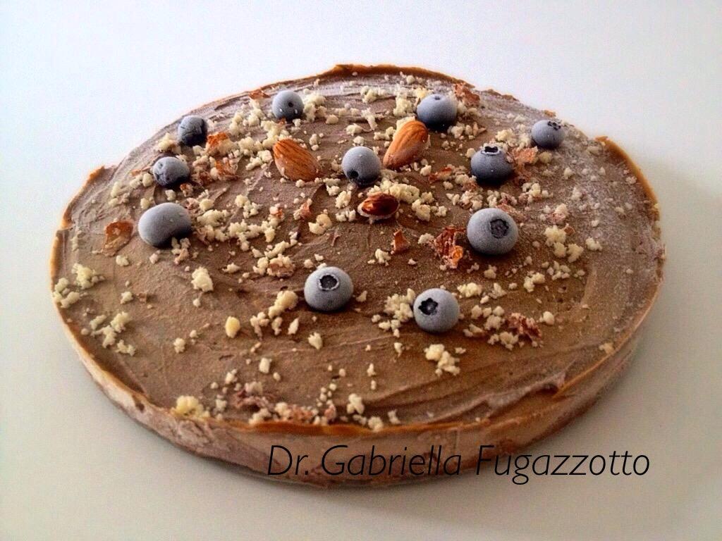 torta-crudista-mandorle-mirtilli.JPG