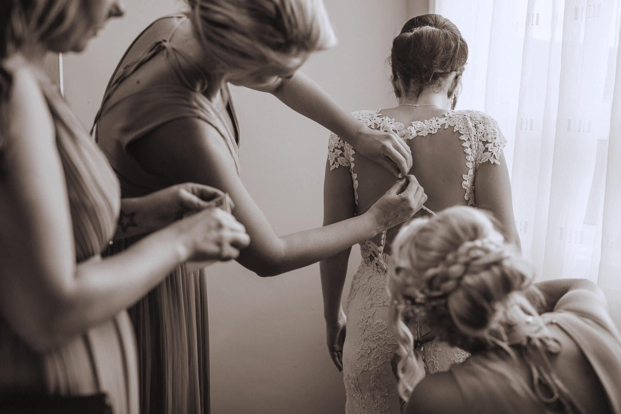 Groombridge-place-wedding-photography-18.jpg