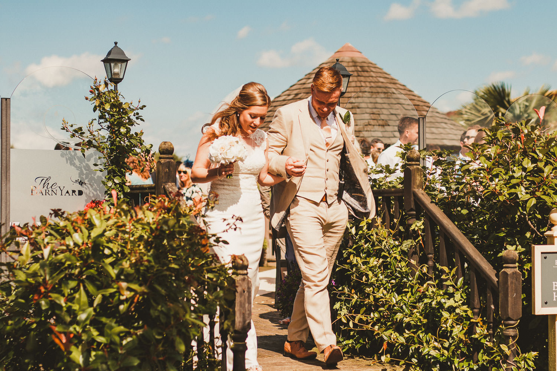 Barnyard-Kent-wedding-23.jpg