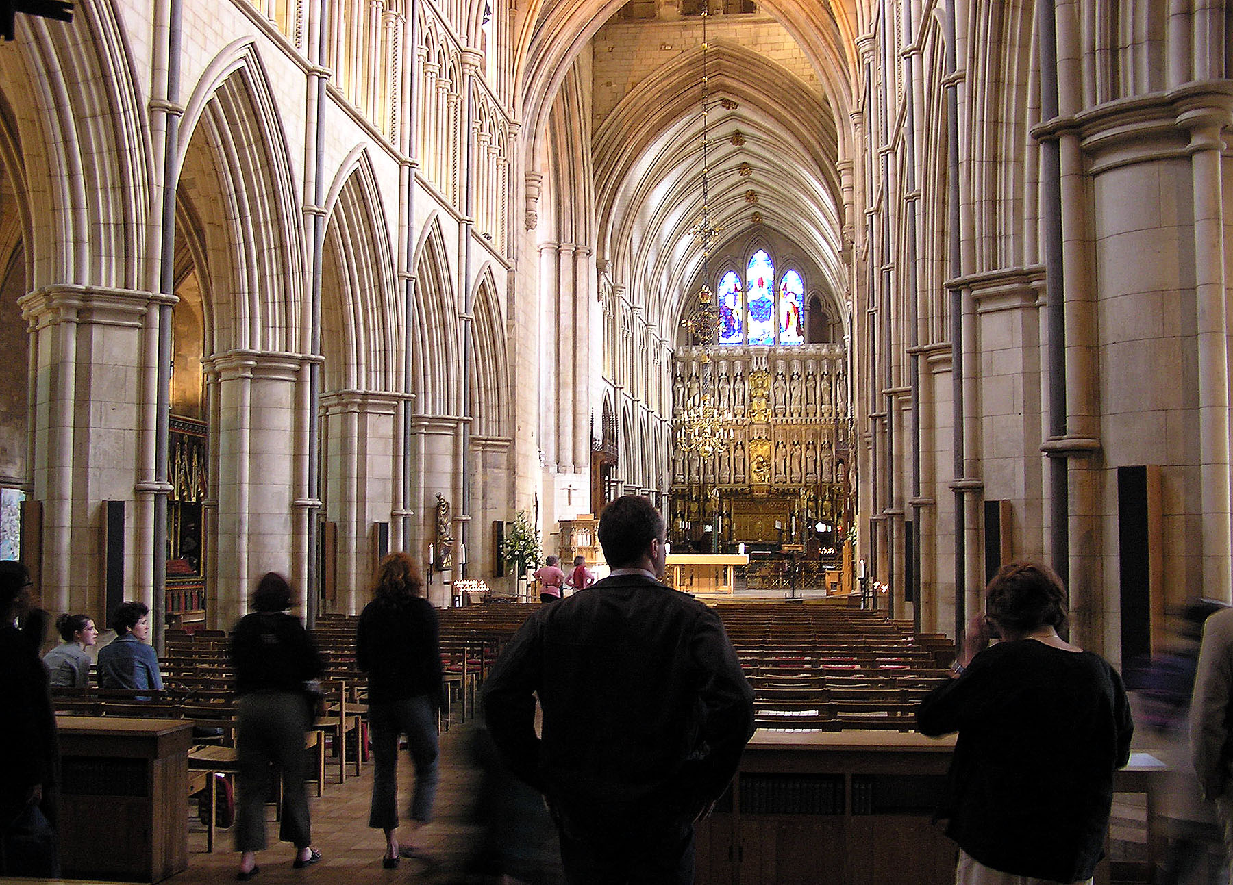 Southwark.cathedral.nave.london.arp-1.jpg