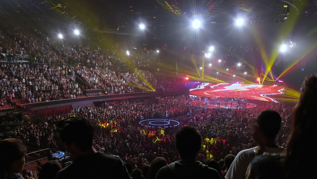 "The ""Life-Giving"" LASERS OF HILLSONG"