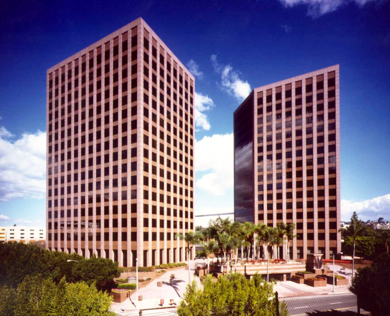 Fig Plaza 2.jpg