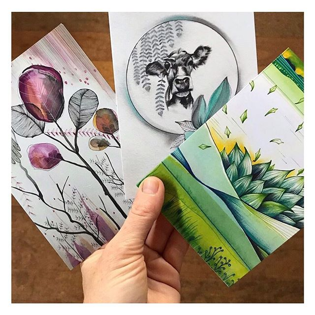 We loving all of the new customers we are meeting and working with! Thank you to @sarahcarlton.art for allowing us to print these beauties 🌿  #recycle #printing #perthprinting #perthprint #perthbusiness #perthlocal #recycled #environmentallyfriendly #ecoprint #ecoprinting #ecofriendly #recycledpaper #recycledprinting #australianprinting #thinkgreen #design #graphicdesign #perthgraphicdesign #businesscards #greenprint #perthsignage #smallbusiness #supportsmallbusiness #familybusiness #ethicalbusiness #greenprinting #environment #cardprintingperth #greetingcards