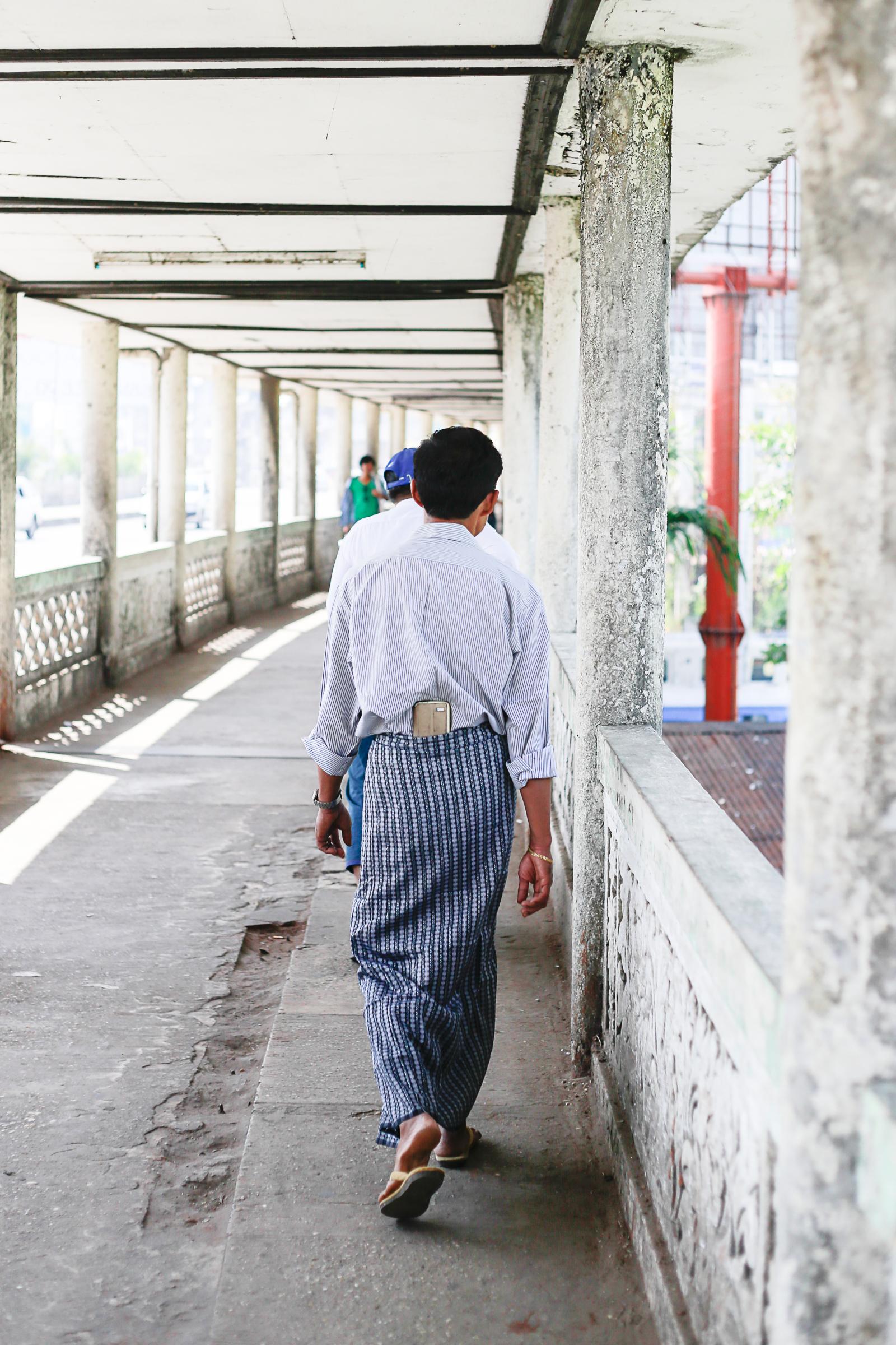 Chloe Edwards-Myanmar_Yangon 13940.jpg