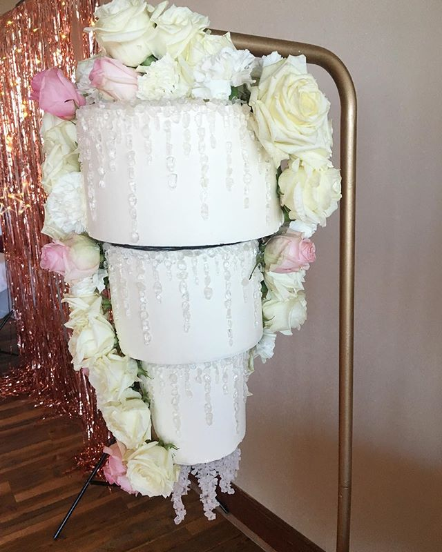 It was an extra busy weekend here with two weddings, both with the hanging chandelier cakes!  The first one was Saturday night out at Hotel Tybee. The bride actually had a tear when she saw it and that made the extremely stressful delivery worth it!