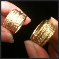 gold wedding bands 1.jpeg