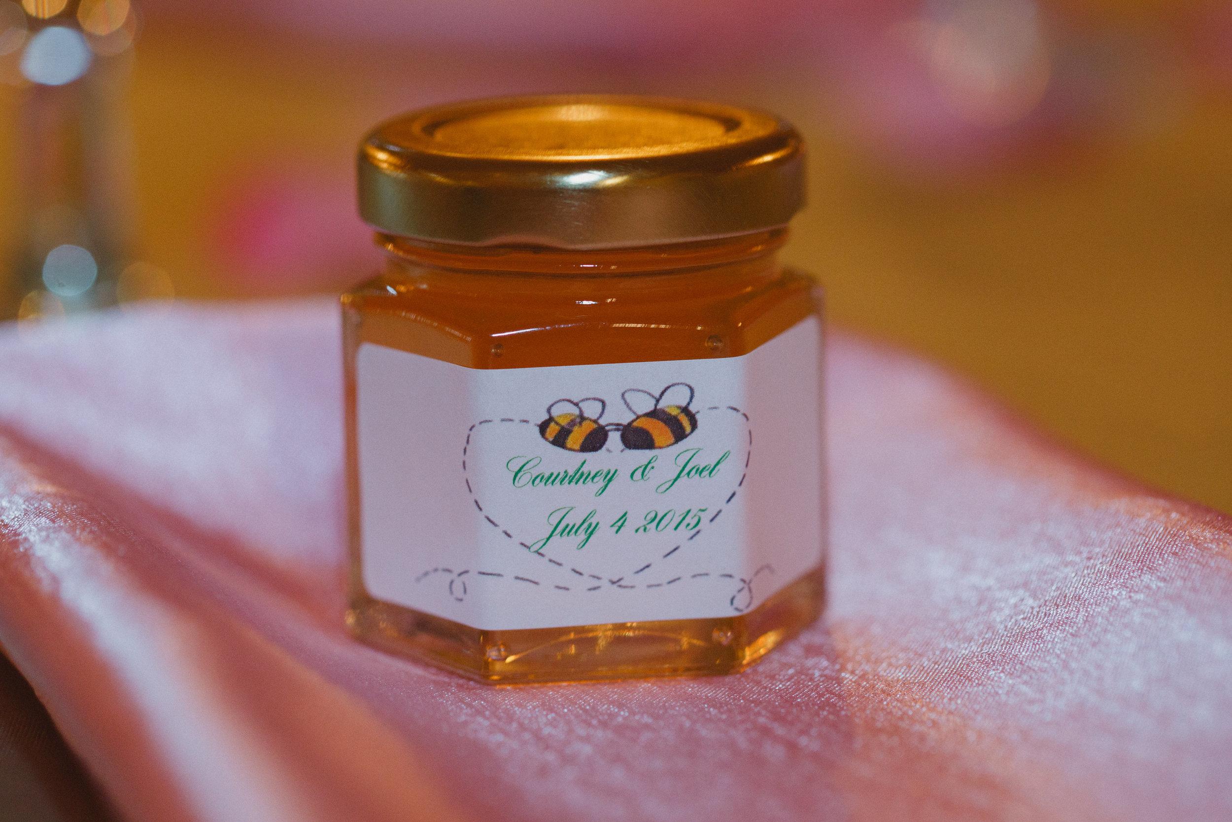 bee whyld honey wedding favors