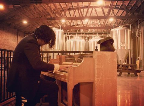 We've got a classy Friday turn up for you and your friends going down every week. John Steven Morgan is a fantastic pianist who will be performing in the tap room at 8pm to 11pm. Stop by and give him a listen!
